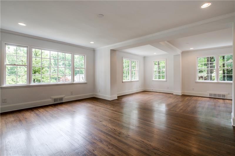 Real Estate - 1663 Clifton Road Atlanta