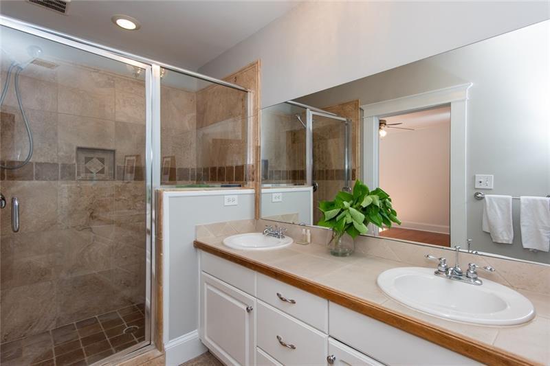 Real Estate - 312 4th Avenue Decatur