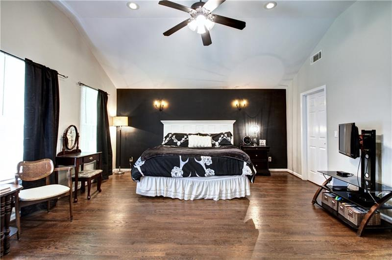 Real Estate - 154 Woodbine Circle Atlanta