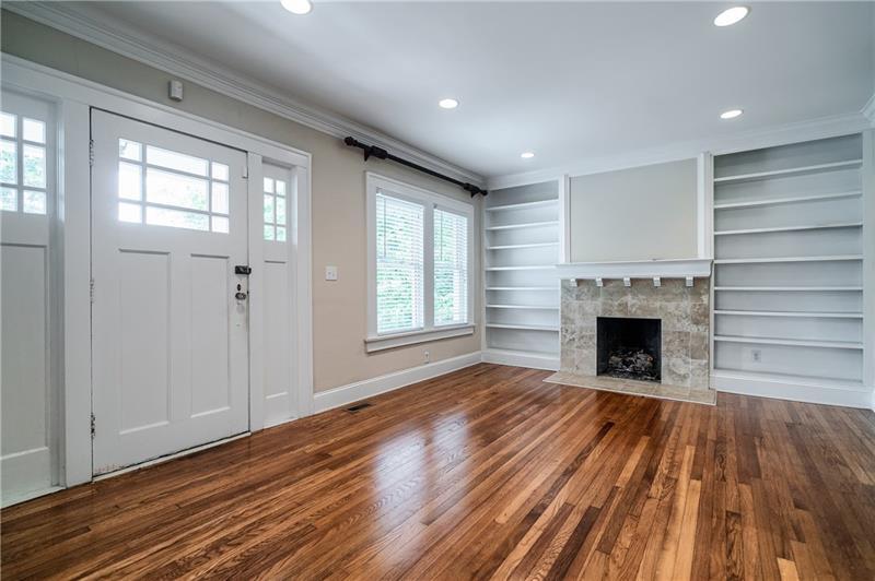 Real Estate - 1073 Reeder Circle Atlanta
