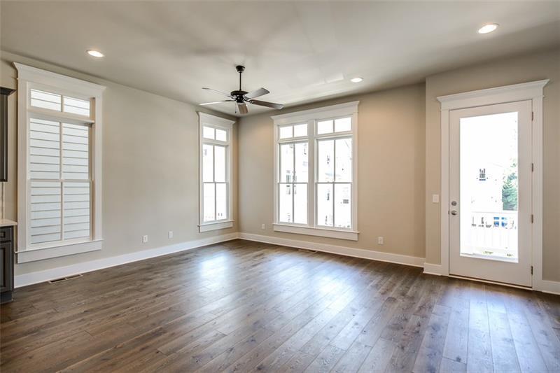 Real Estate - 798 Grove Bend Decatur