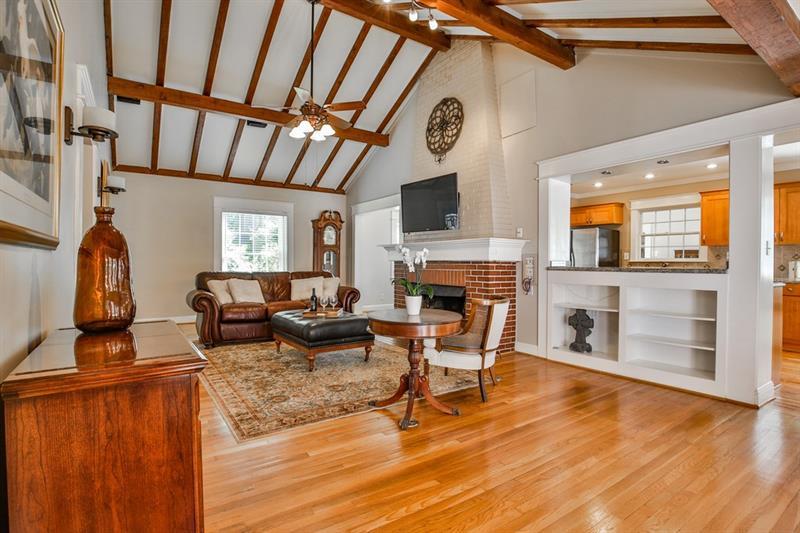Real Estate - 245 Parkwood Road Decatur