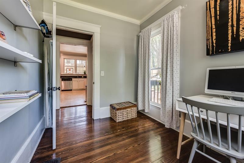 Real Estate - 1622 Oakview Road Decatur