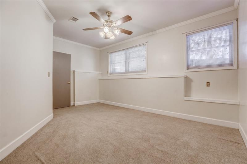 Real Estate - 1721 Coventry Place Decatur