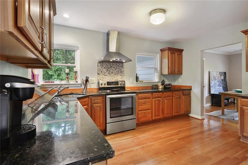Real Estate - 1505 Rock Springs Circle Atlanta