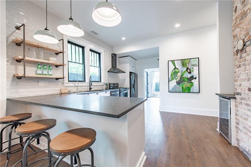 Real Estate - 563 Parkway Drive Atlanta