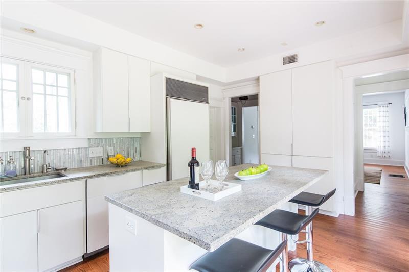 Real Estate - 29 Rockyford Road Atlanta