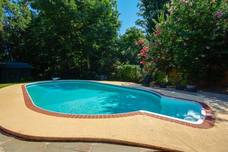 Real Estate - 684 Hillpine Drive Atlanta