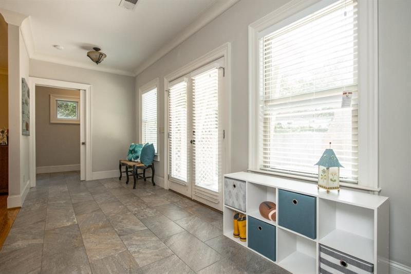 Real Estate - 1295 Hardee Street Atlanta