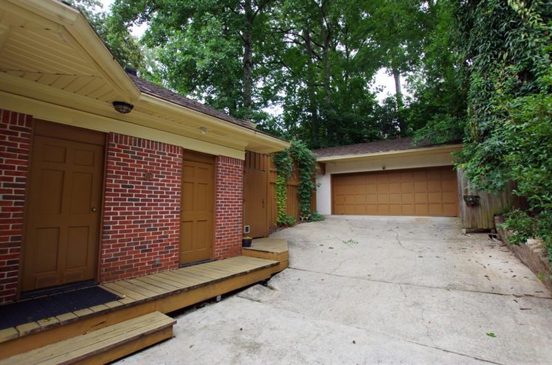 Real Estate - 778 Brookridge Drive Atlanta