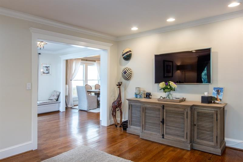 Real Estate - 918 Highland View Atlanta