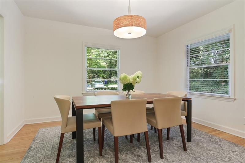 Real Estate - 867 Artwood Road Atlanta