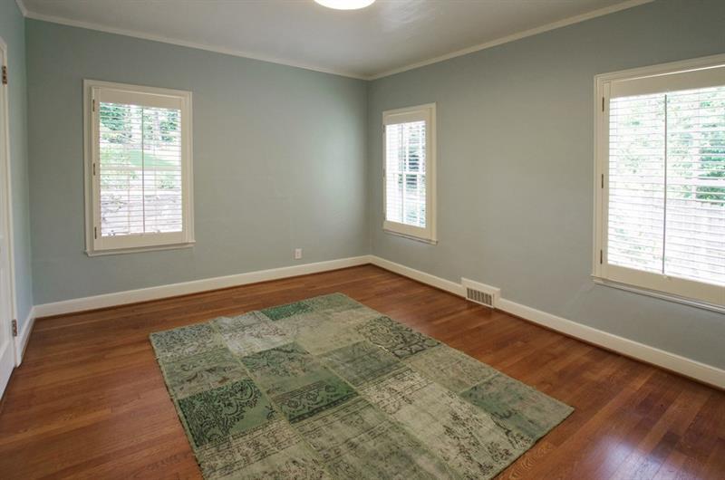 Real Estate - 1600 JOHNSON Road Atlanta